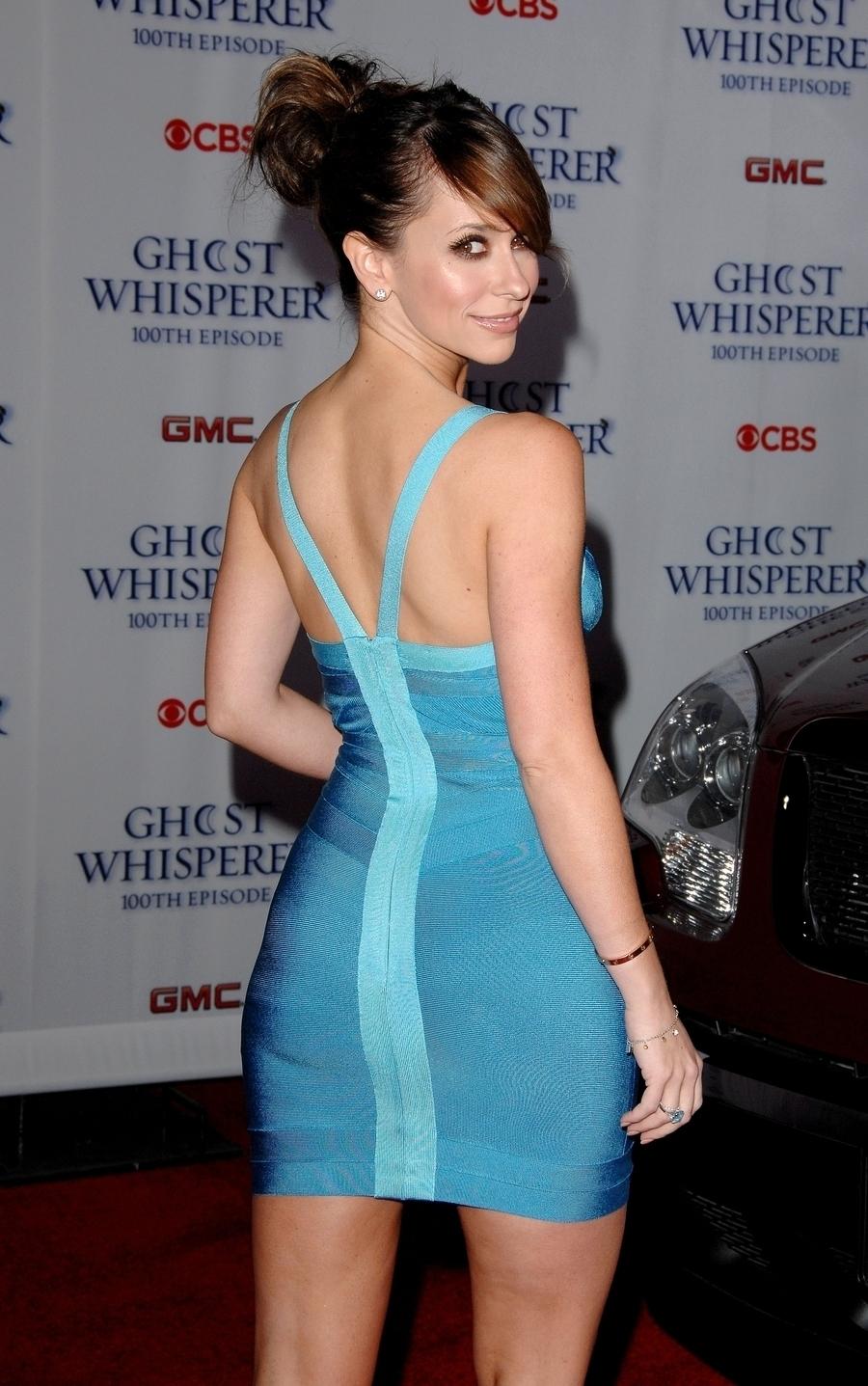 Jennifer Love Hewitt beaucoup de seins et le cul